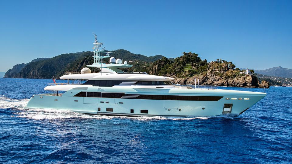 Another CRN Yacht with our REINTJES gearboxes